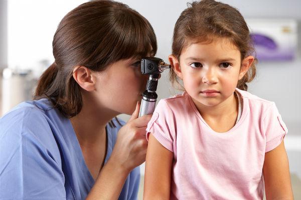 Những lưu ý khi sử dụng máy trợ thính cho trẻ em