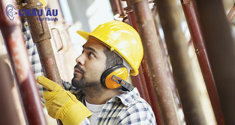 Bảo vệ đôi tai khi phải làm việc trong môi trường nhiều tiếng ồn, nhiều tạp âm