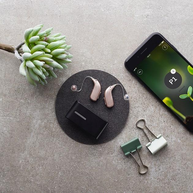 Máy trợ thính Oticon và thiết bị đa năng Connect Clip