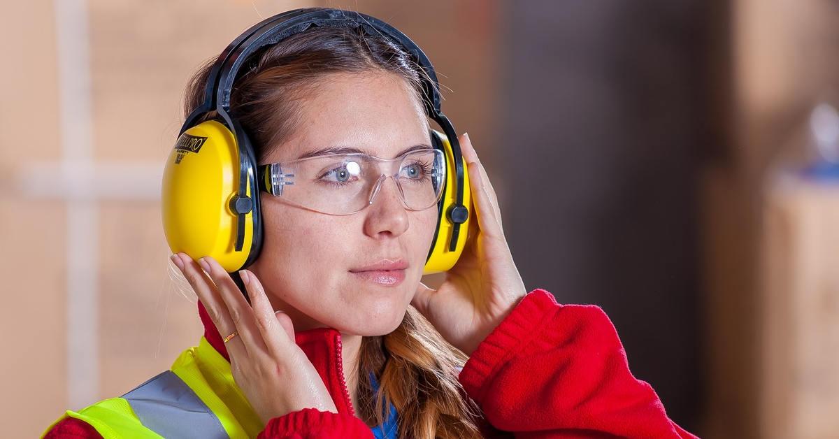 Chủ động trang bị đồ bảo hộ để bảo vệ đôi tai