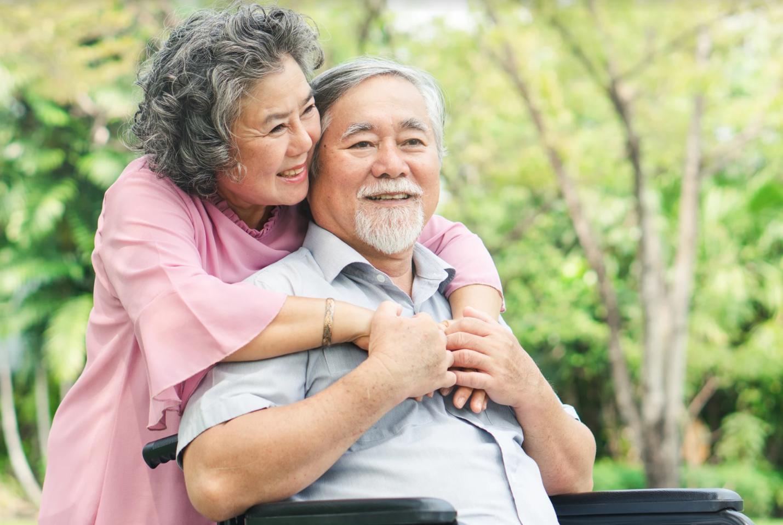 Lão thính là tình trạng suy giảm thính lực của những người ngoài 50 tuổi