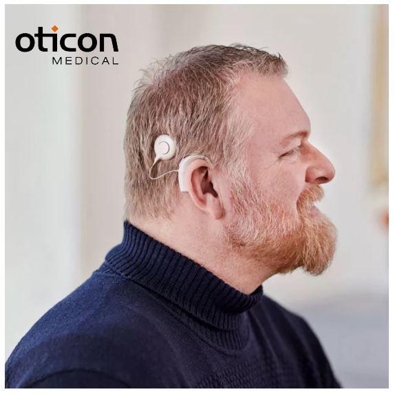 Cải thiện tình trạng lão thính bằng phương pháp cấy tai ốc điện tử Oticon