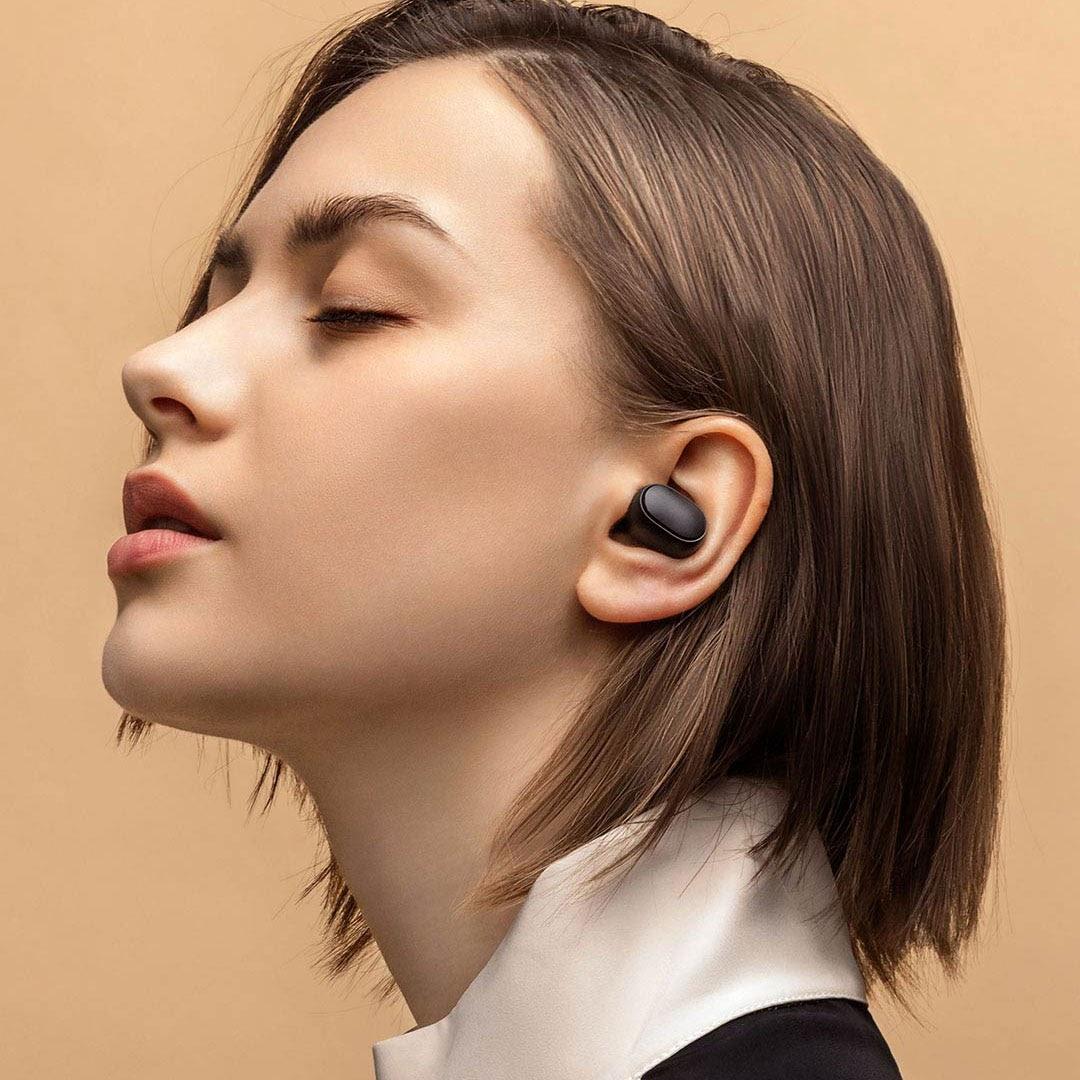 Sử dụng tai sẽ làm cho bạn không nhận thức được những nguy hiểm xung quanh khi không nghe được những âm thanh cảnh báo